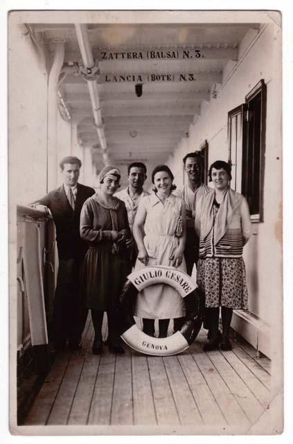 foto di emigranti sulla nave